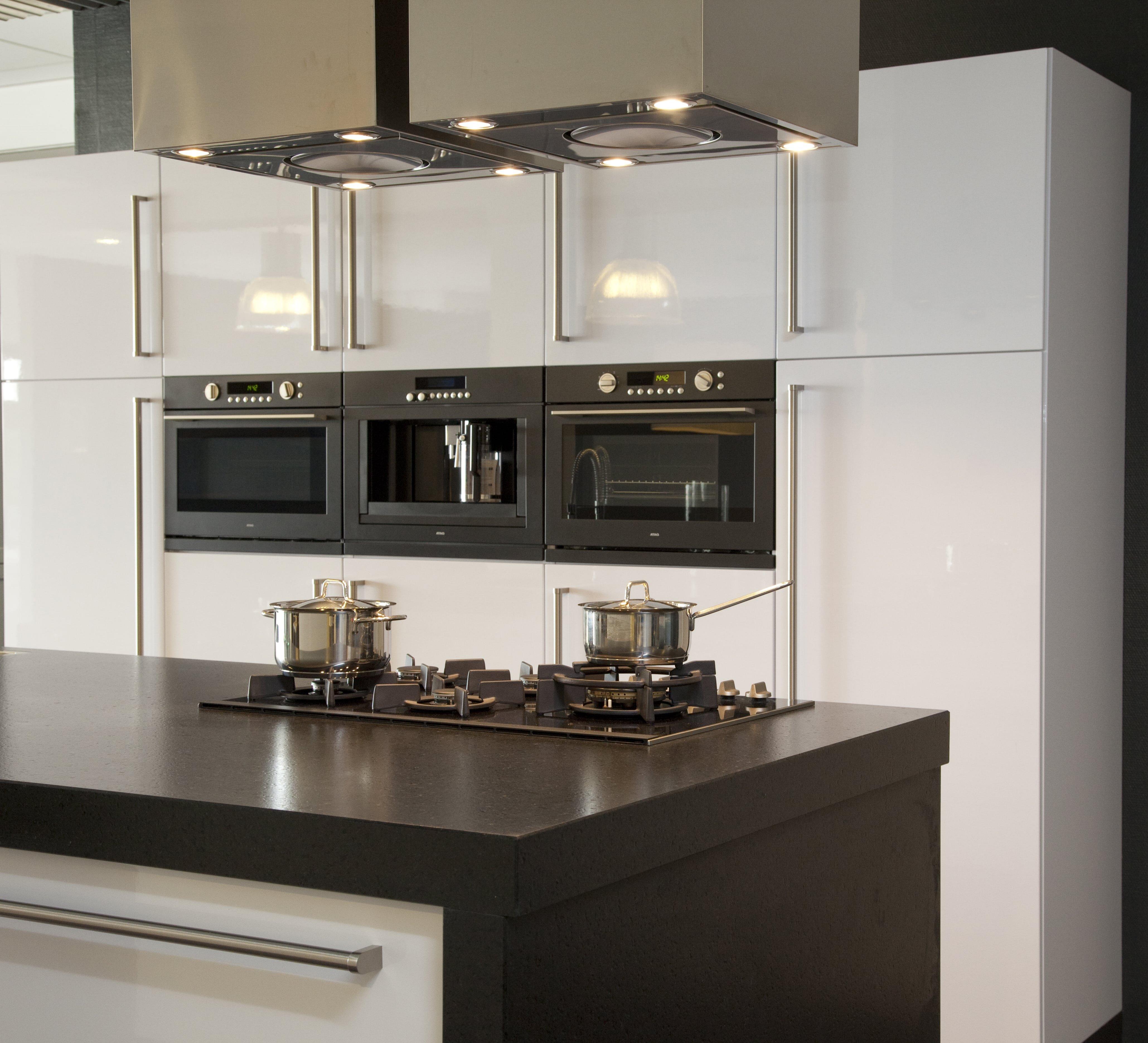 complete-keuken-wit-witzand-bouwmaterialen